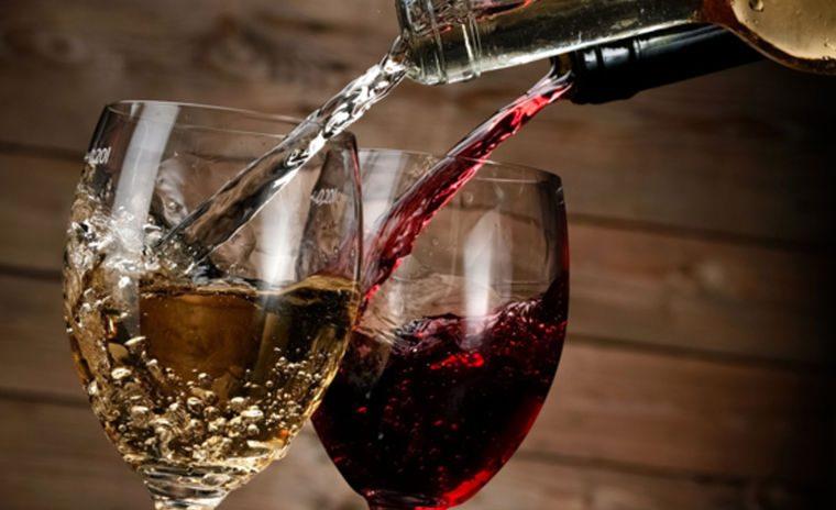 Vieme nalievať víno?.... ako na to?